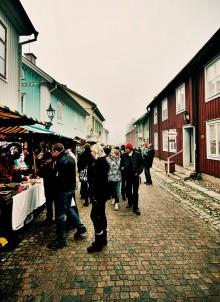 Julstämningen lyste med sin frånvaro på Wadköpings julmarknad.