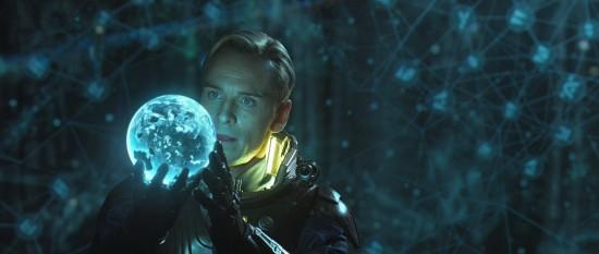 Michael Fassbender i Prometheus.