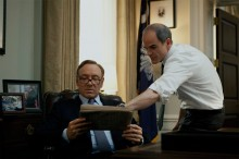 Kevin Spacey och Michael Kelly i House of Cards.
