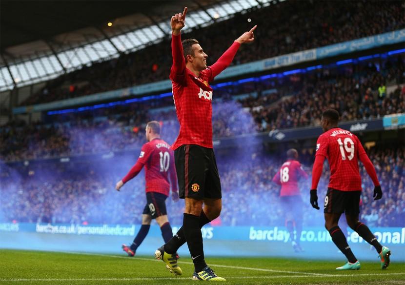Nyförvärvet och skyttekungen Robin van Persie förde Manchester United till årets ligaguld.
