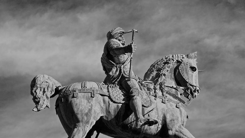 Karl IX-statyn på Kungsportsplatsen.