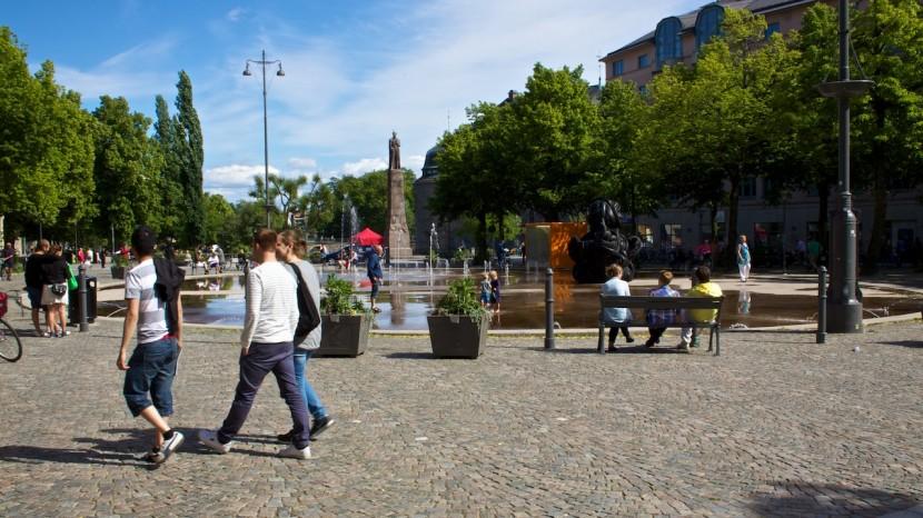 Runt Järntorget fanns det massor av konst. Mest omtalad var förmodligen den stora svarta ankan gjord av bildäck.
