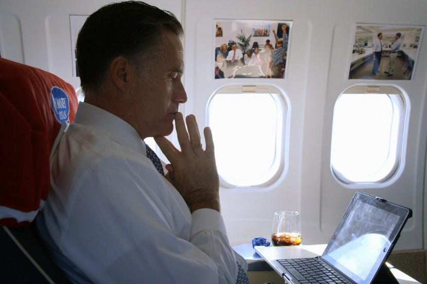 Vi får följa Mitt Romney och hans familj under två valkampanjer.
